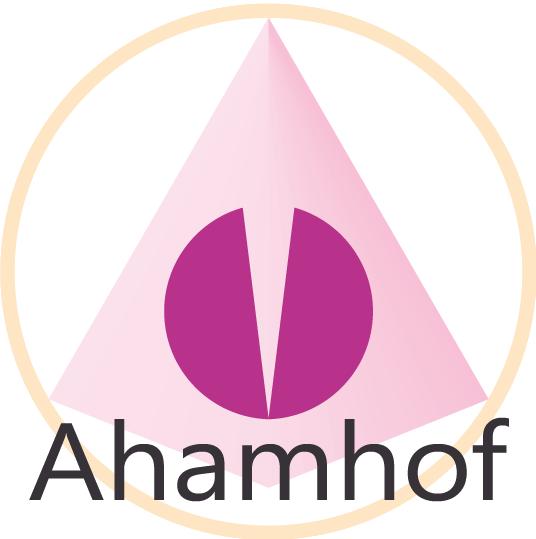 Aham - Hof der Begegnung - Mehrnbach | Ahamhof - Zentrum für spirituelle Wegbegleitung. Mit der Natur leben und nicht gegen sie. Das ist unsere Philosophie für die Menschen und die Tiere.
